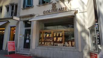 Der Räuber war mit reicher Beute aus dem «Goldhaus» geflohen.