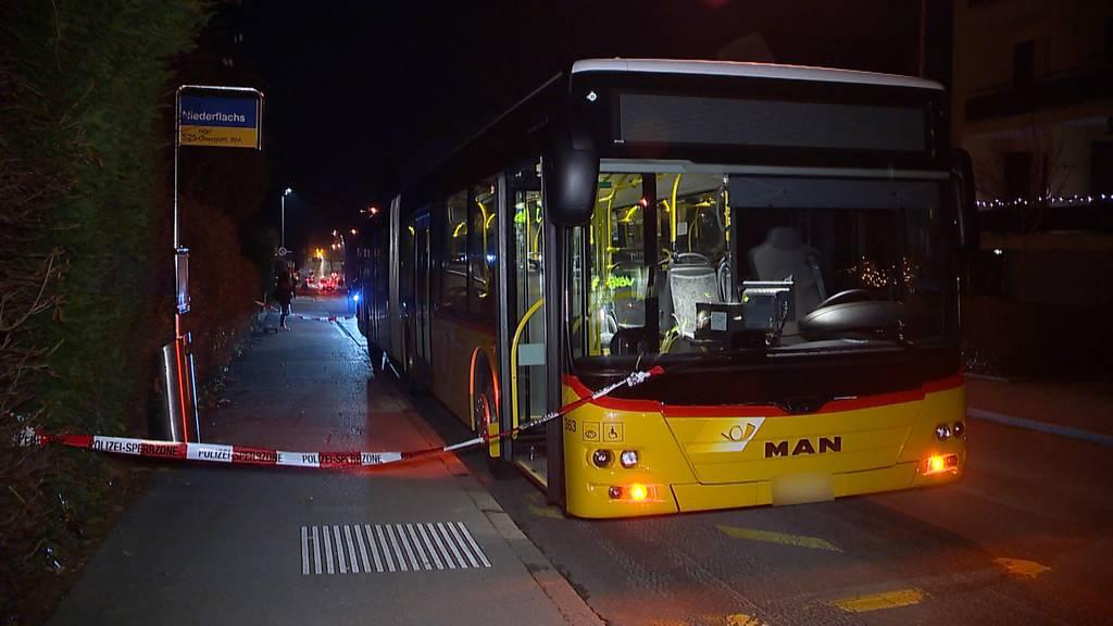 Velofahrerin bei Unfall mit Bus verletzt