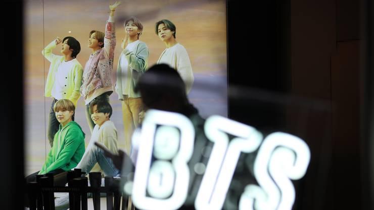 Die südkoreanische K-Pop-Boyband BTS mit ihren sieben Mitgliedern hat auch in der Schweiz zahlreiche Fans.