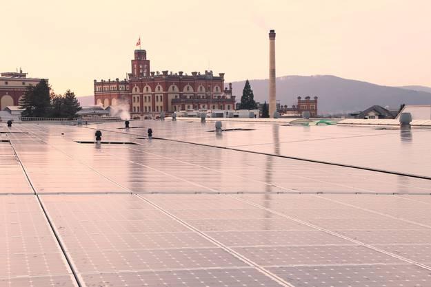 Das mit 2034 Kilowatt Peak grösste Solarkraftwerk der Nordwestschweiz auf dem Dach der Feldschlösschen-Brauerei in Rheinfelden AG wurde 2013 in Betrieb genommen. Die voraussichtliche Jahresproduktion auf 23'000 Quadratmetern beträgt 1,9 Millionen Kilowattstunden. Besitzer ist die EBM-Tochter Kleinkraftwerk Birseck AG (KKB AG), die das Projekt von der Allschwiler Suninvest gekauft hat. Gebaut wurde die Anlage von der Allschwiler Firma Tritec.