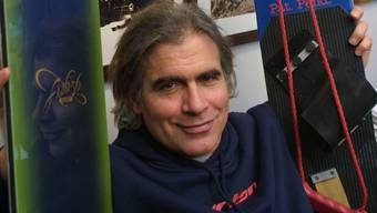 Der Snowboard-Pionier Jake Burton ist in der Nacht zum Donnerstag verstorben.