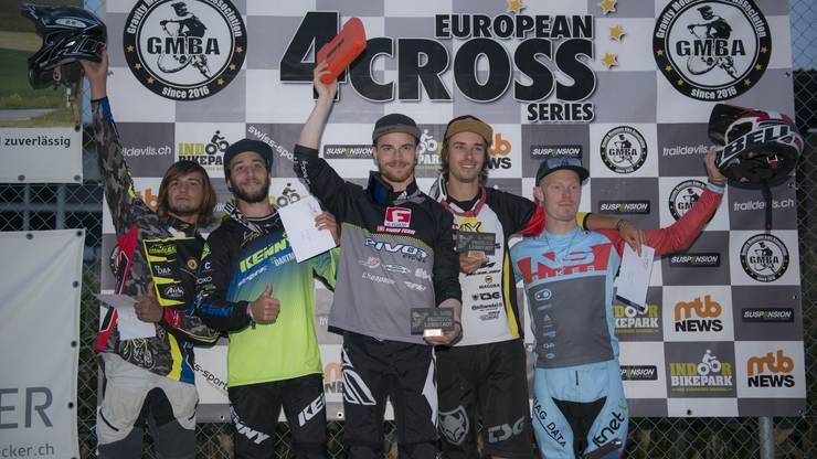 Siegerehrung: v.l.n.r.: Giovanni Pozzoni (5), Chaney Guennet (2), Sieger Simon Waldburger, Benedikt Last (3) und Noel Niederberger (4).