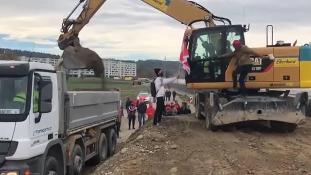 «Lebensgefährlich!»: Unia-Mitglieder stoppen Streikbrecher auf Gubrist-Baustelle