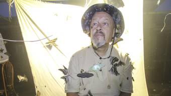 Umschwirrt in der Nacht: Daniel Ambühl auf einer seiner Insektenforschungsreisen in Vietnam.