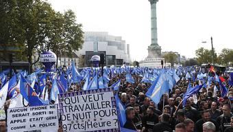 Überlastet, ausgelaugt, suizidgefährdet: Tausende Polizistinnen und Polizisten gingen am Mittwoch in Paris auf die Strasse.