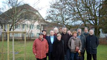 Zum Andenken an die Vertragsunterzeichnung wurde im Othmarsinger Pfarrgarten eine von Ortsbürgergemeinde und Lenzia gespendete Traubeneiche gepflanzt.  HH.