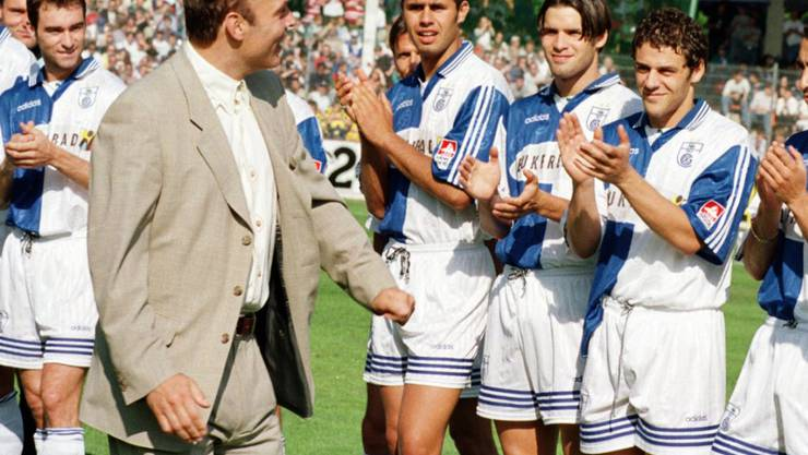 Zu dieser Zeit hatte Christian Gross noch Haare - und war noch Trainer der Grasshoppers