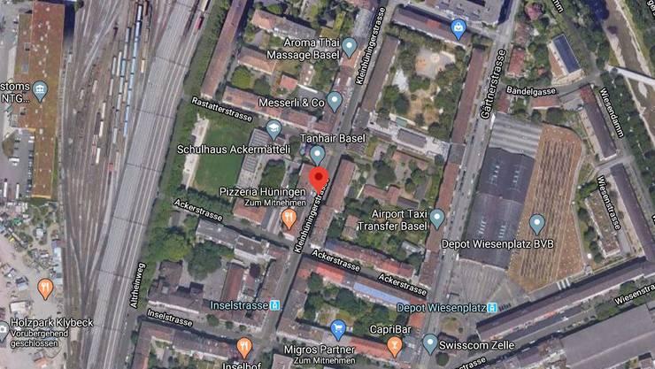 Mindestens sechs Personen lieferten sich in der Kleinhüningerstrasse eine gewaltsame Auseinandersetzung.