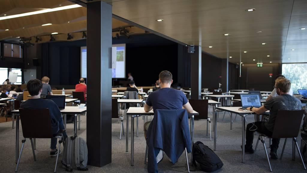 Studierende an der Ostschweizer Fachhochschule.