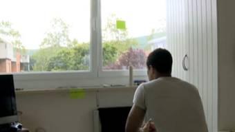 Carlos in seiner ehemaligen Wohnung in Reinach BL