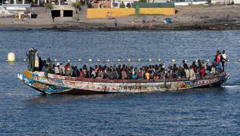 Flüchtlingsboot an der Küste der Kanaren-Insel Teneriffa: 1000 Prozent mehr Flüchtlinge als im vergangenen Jahr kommen derzeit an.