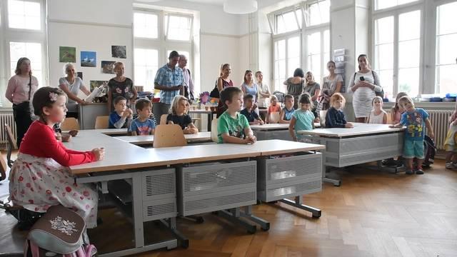 Der erste Schultag im neuen Schulhaus