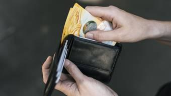 Drei Viertel der Befragten sind unzufrieden mit der Lohnentwicklung. (Themenbild)