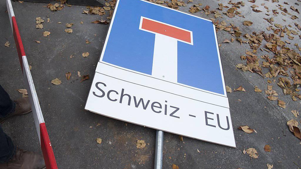 Die RASA-Initiative soll die Schweiz aus der europapolitischen Sackgasse führen. Das will auch der Bundesrat, aber mit einem direkten Gegenvorschlag. Er hat zwei Varianten zur Diskussion gestellt. (Archiv)