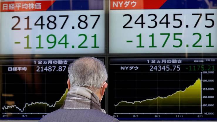 Auch der Nikkei-Index befindet sich im Sturzflug.