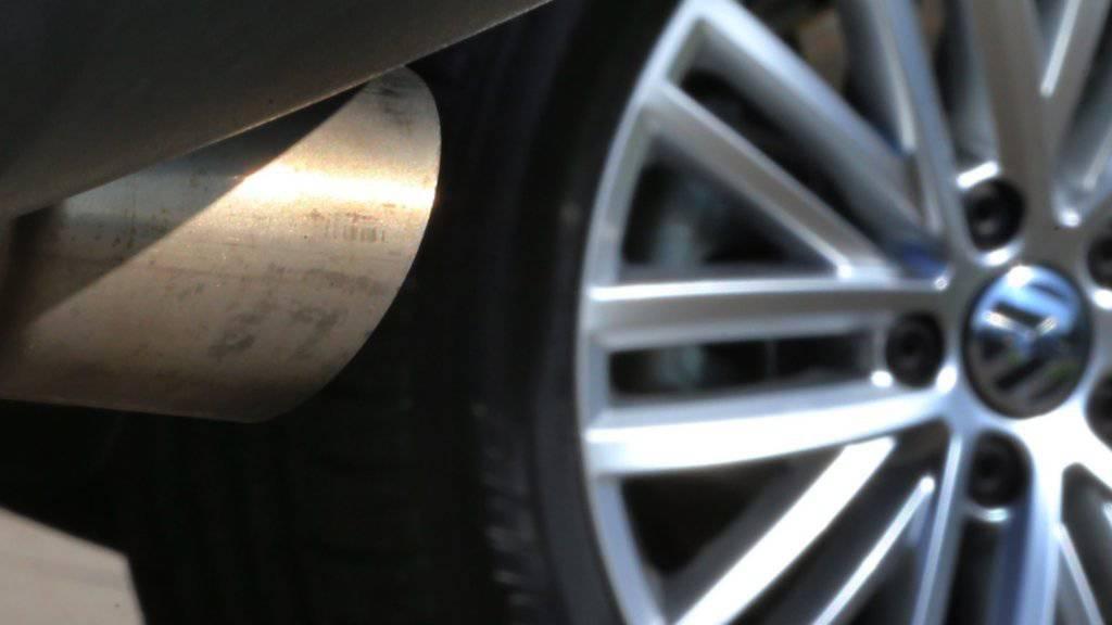Viele der in Deutschland ungeliebten Diesel-Gebrauchtwagen finden nun in Mittelost- und Südosteuropa eine neue Verwendung - zum Leidwesen von Umweltschützern. (Symbolbild)