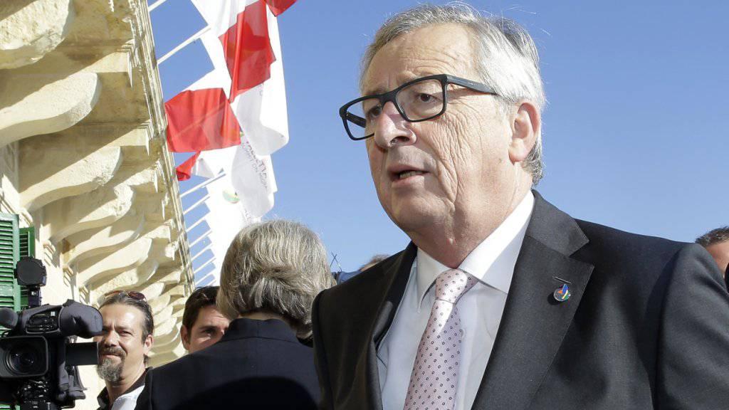 EU-Kommissionschef Jean-Claude Juncker muss einen Tag länger als geplant in der Türkei bleiben. Wegen Sicherheitsbedenken wurde der Abflug verschoben. (Archivbild)