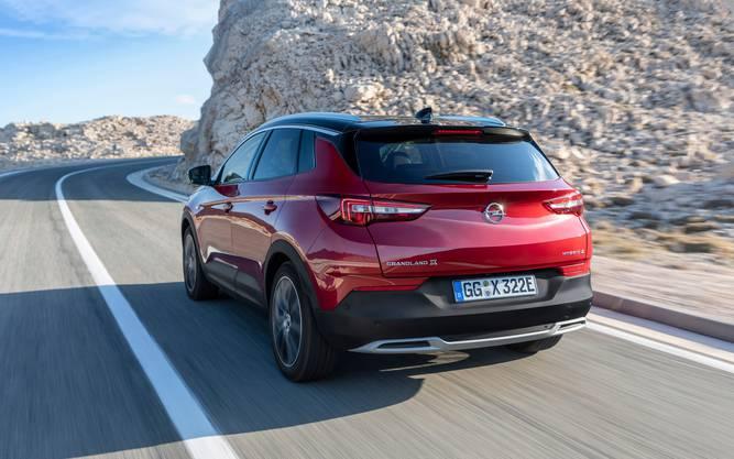 Retter in der Not: Der Plug-In-Hybrid soll mit seinem geringen Verbrauch die CO2-Bilanz von Opel senken.