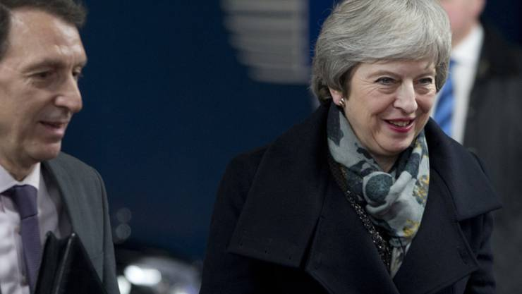 Die britische Premierministerin Theresa May ist am späten Dienstagnachmittag in Brüssel eingetroffen. Sie ist auf Werbetour in Europa, um ihren Amtskollegen und den EU-Politikern Zugeständnisse beim Brexit abringen.