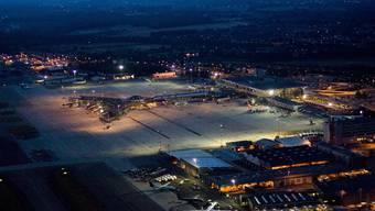Ein Streik der Fluglotsen legt Euro-Airport lahm.