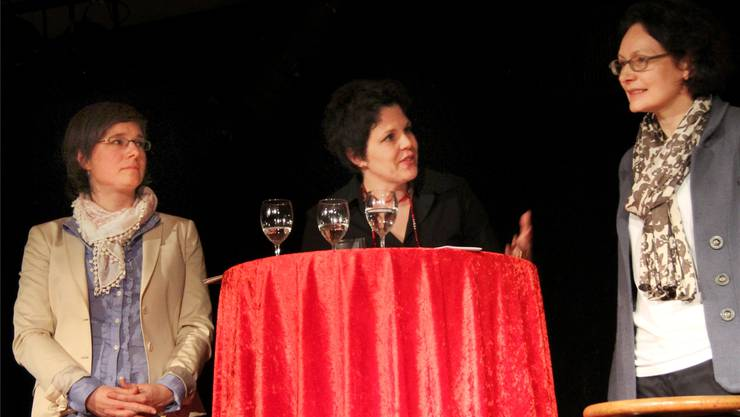 Sabine von Stockar, Moderatorin Andrea Affolter und Anne Eckhardt Scheck, Präsidentin des Ensi-Rates.