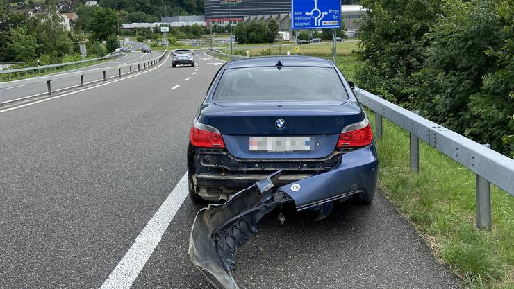 Bei der Autobahn-Ausfahrt verlor ein 25-Jähriger Ungar die Kontrolle über seinen BMW.