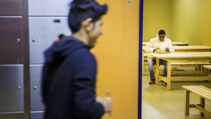 Die ersten Flüchtlinge sind in der Zivilschutzanlage eingetroffen