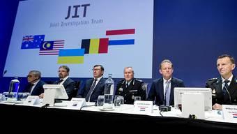 Die internationalen Ermittler klagen vier prorussische Rebellen der Ostukraine für den Abschuss eines Passagierflugzeugs (MH17) an. Das teilten sie im niederländischen Nieuwegein bei Utrecht mit.
