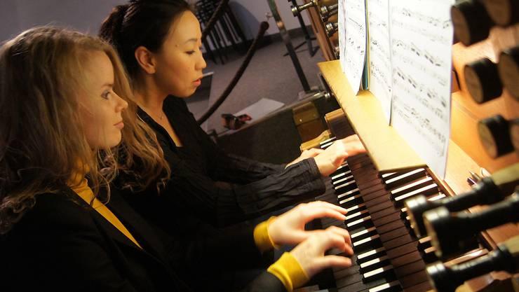 «Innerhalb von kürzester Zeit haben wir uns wirklich gefunden»: Mayu Okishio und Helga Váradi erforschen die Vielfalt des vierhändigen Orgelspiels.