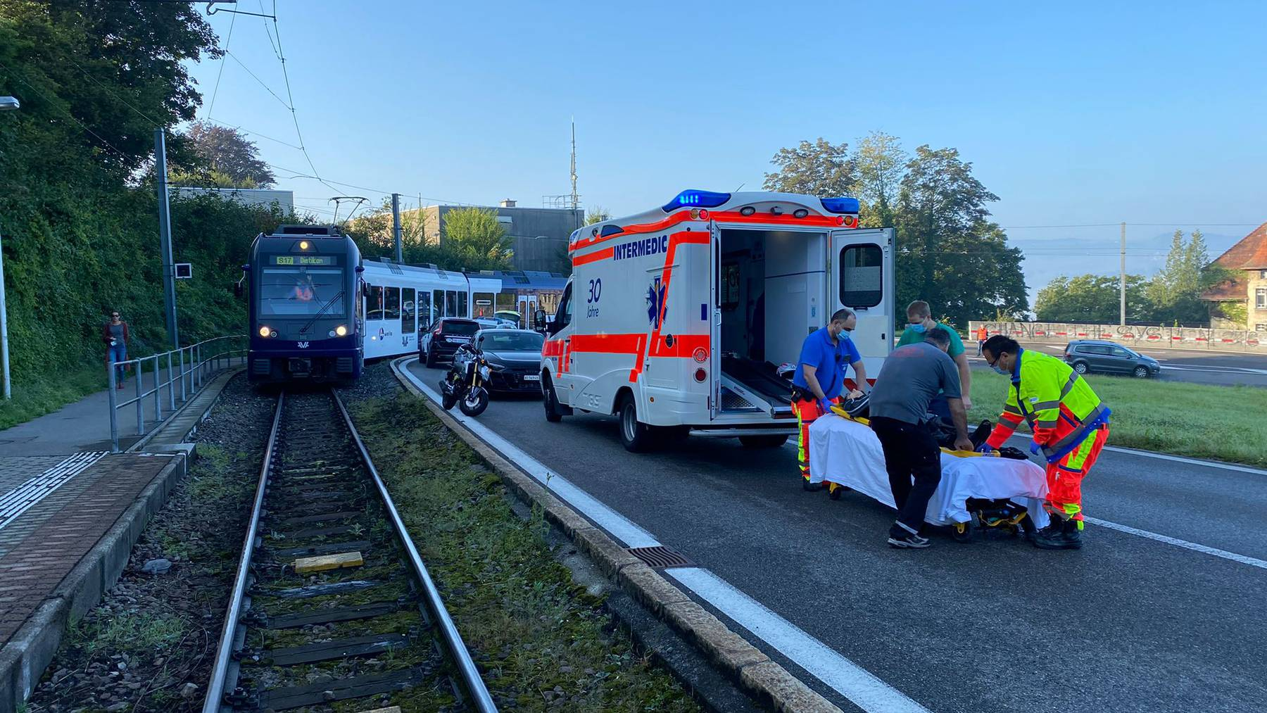Unfall in Zufikon: Zug musste angehalten werden nach Selbstunfall eines Töfffahrers