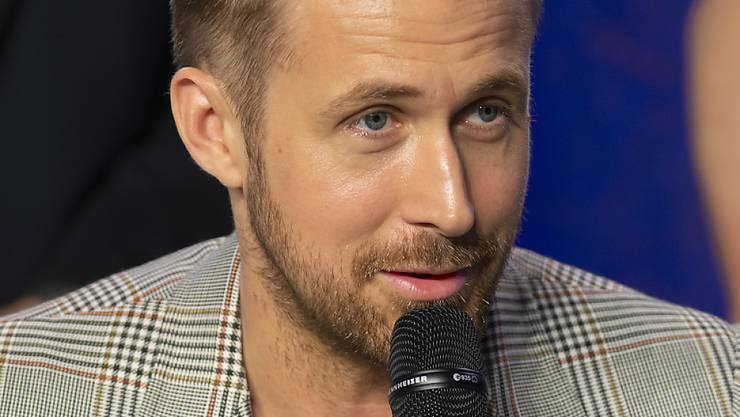 Wollte den berühmten Mond-Satz von Astronaut Neil Armstrong unbedingt tonartlich und emotional richtig hinbekommen: US-Schauspieler Ryan Gosling.