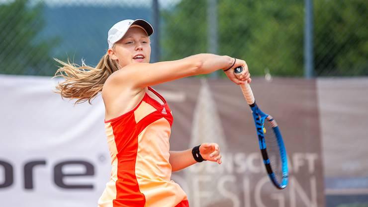 Sophie Lüscher ist U18-Schweizermeisterin im Tennis.