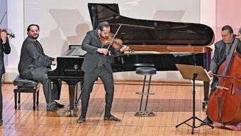 Janoska Ensemble bei seinem Auftritt im Oltner Stadttheater gestern Abend. Die Zuschauerreihen waren nur rund zu einem Drittel besetzt.