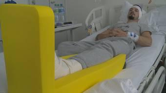 Arsim A. erholt sich im Spital von seinem Unfall.