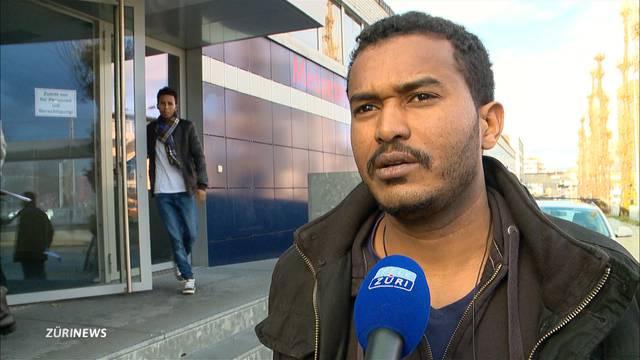 Asylbewerber beziehen pünktlich Messehalle