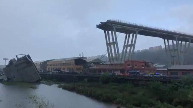 Autobahnbrücke in Genua stürzt ein