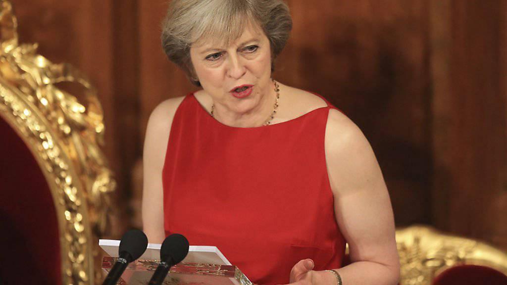 Die britische Premierministerin Theresa May dürfte laut Experten auf Widerstände stossen beim Versuch, Handelsverträge ausserhalb Europas zu schliessen. (Archivbild)