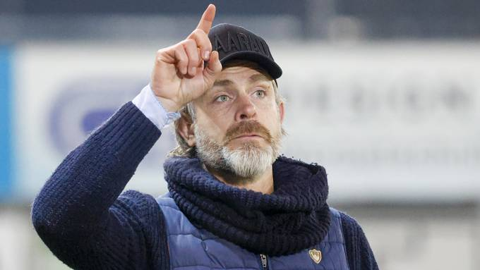Trainer Stephan Keller gibt die Richtung vor: Der FC Aarau will auch im neuen Jahr an der Tabellenspitze mitspielen