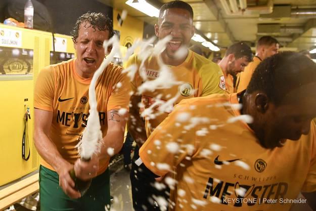 Wer möchte auch von Marco Wölfli mit Champagner bespritzt werden?