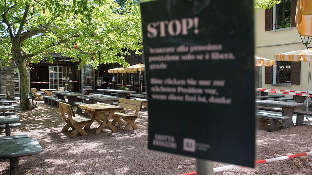 Tessiner Regierung erlässt Steuerreduktion für Bars und Restaurants