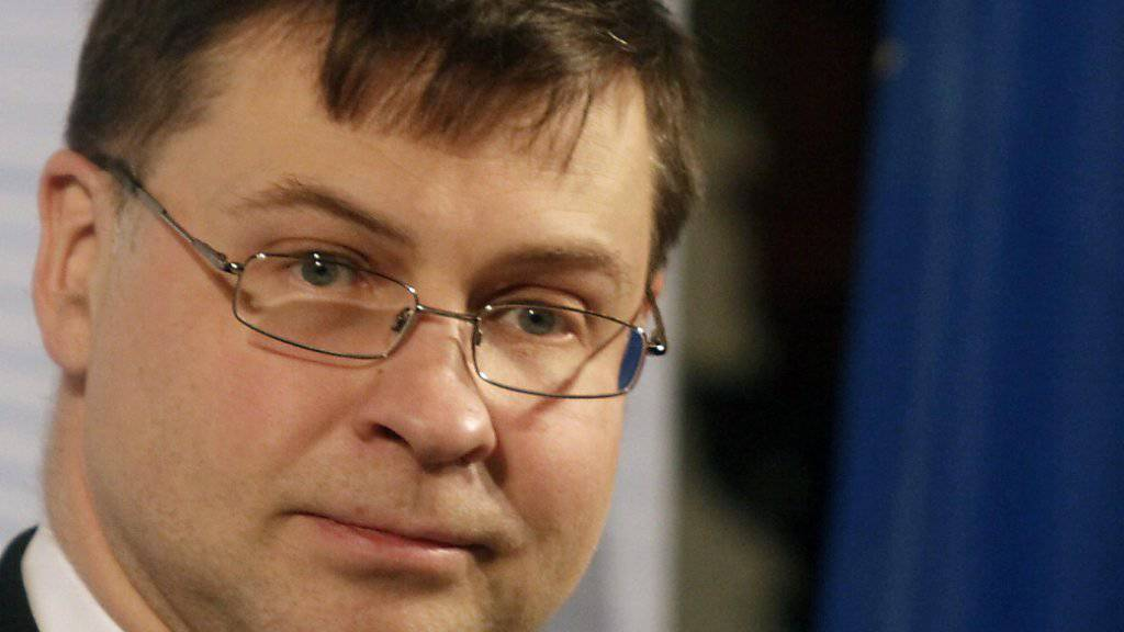 EU-Kommissions-Vize Valdis Dombrovskis hat am Mittwoch in Brüssel vorgeschlagen, Spanien und Portugal trotz ihrer Haushaltsdefizite nicht mit einer Geldstrafe zu sanktionieren. Der definitive Entscheid liegt jedoch bei den EU-Staaten. (Archiv)