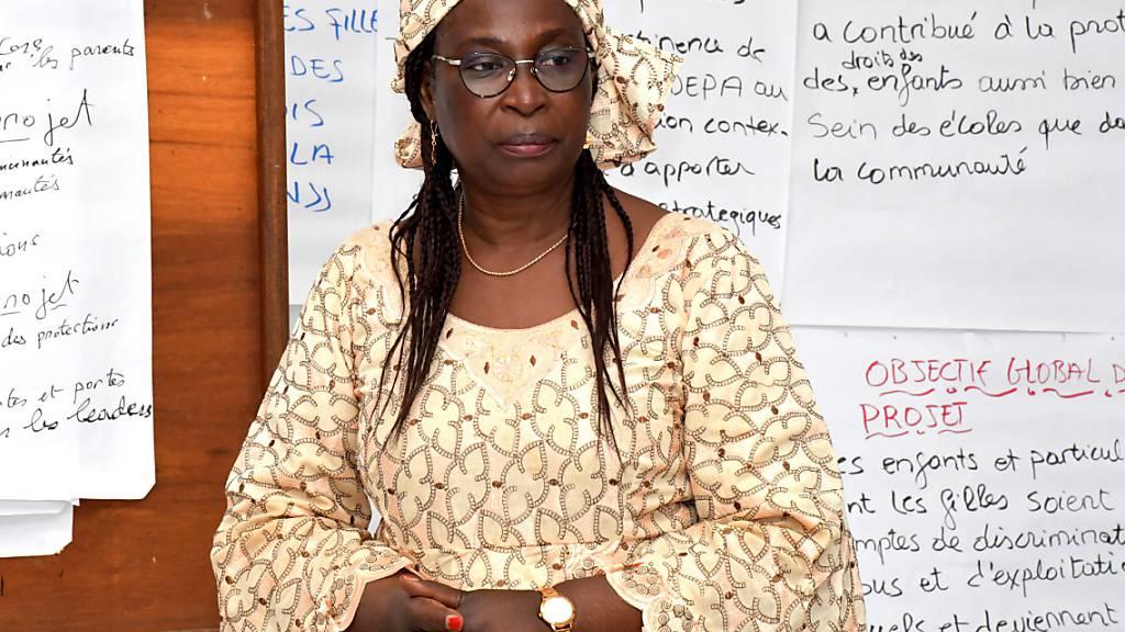 HANDOUT - Die Juristin Marthe Wandou aus Kamerun wird mit dem Alternativen Nobelpreis 2021 ausgezeichnet. Foto: ---/Right Livelihood/dpa - ACHTUNG: Nur zur redaktionellen Verwendung im Zusammenhang mit der aktuellen Berichterstattung und nur mit vollständiger Nennung des vorstehenden Credits