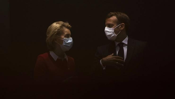 Vieles bleibt nach drei Verhandlungstagen im Dunkeln. Da können sich EU-Kommissionspräsidentin Ursula von der Leyen und Frankreichs Präsident Emmanuel Macron noch so einig sein.