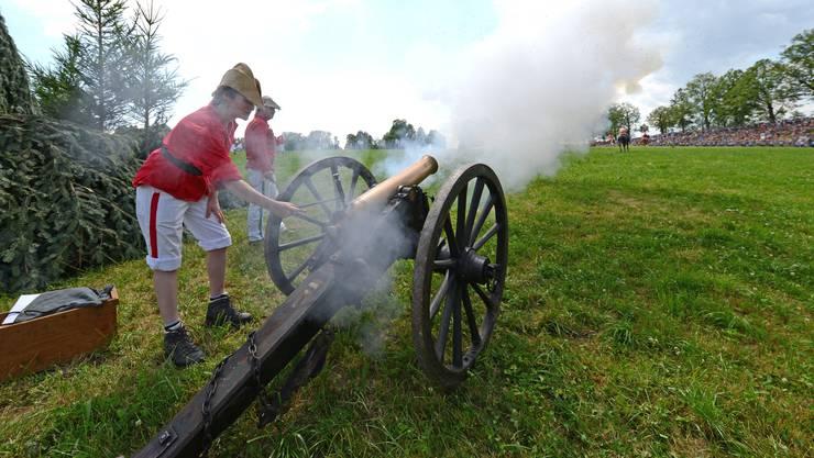 Mit einer solchen Kanone (hier ein Bild von einem früheren Gefecht) passierte der Unfall am Zofinger Kinderfest.