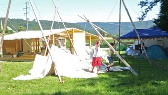 Aufbau auf dem Festivalgelände.