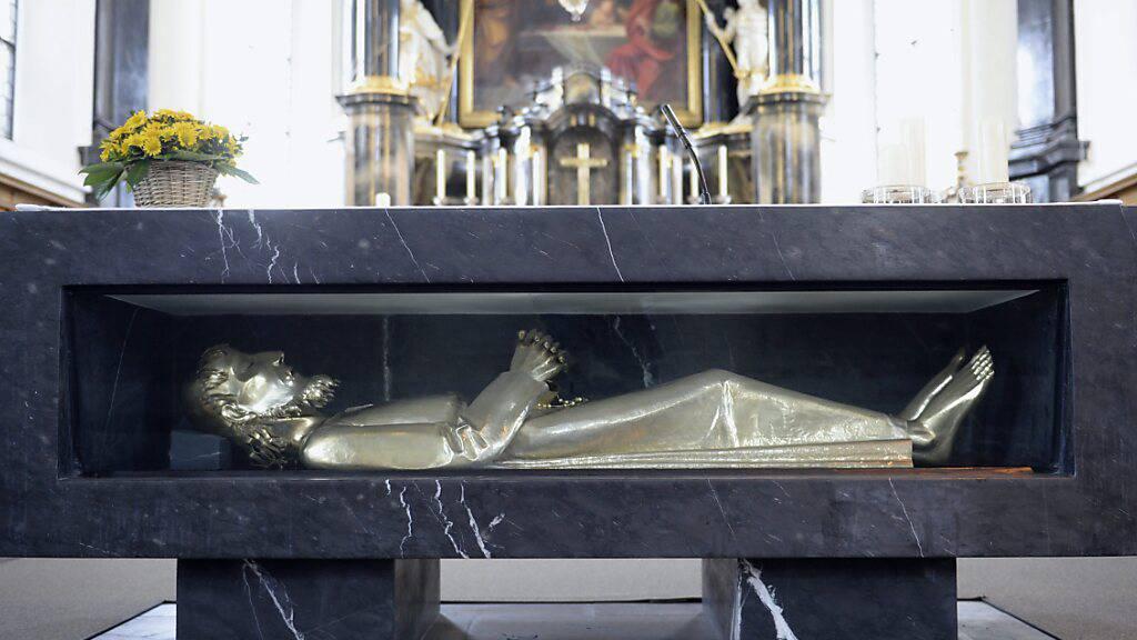 Der Bruder-Klaus-Altar in Sachseln OW: Nidwalden verzichtet dieses Jahr auf seine traditionellen Wallfahrten zum Grab von Bruder Klaus sowie nach Einsiedeln SZ. (Archivaufnahme)