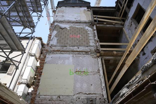 Es folgen weitere Bilder des Baustellenrundgangs.