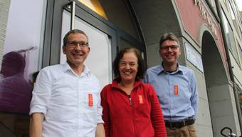 1. Mai-Feier der SP im Odeon Brugg mit (v. l.): Regierungsrat Urs Hofmann, Bruggs Vizeammann Andrea Metzler und SP-Fraktionspräsident Dieter Egli.
