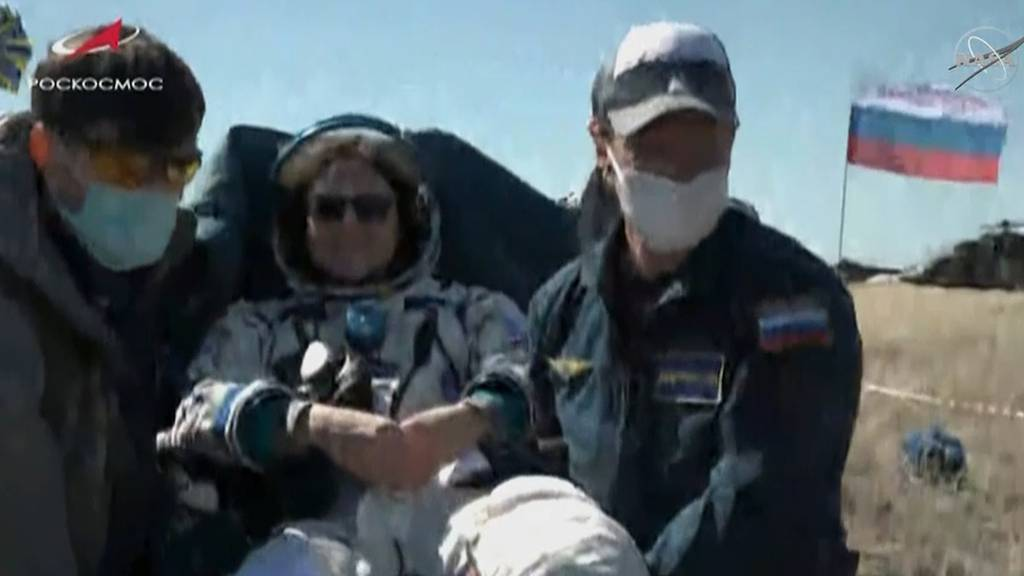Mitten in der Pandemie: Raumfahrer kehren auf Erde zurück