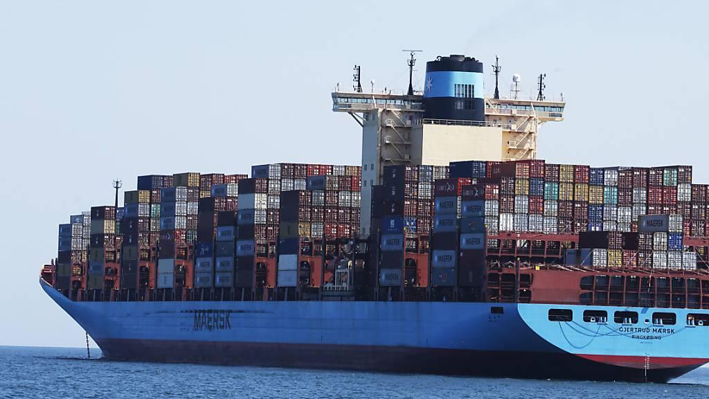 Nach dem ersten Corona-Schock ziehen die deutschen Exporte nun so stark an wie seit rund 30 Jahren nicht mehr. Sie stiegen im Juni um 14,9 Prozent zum Vormonat. (Symbolbild)